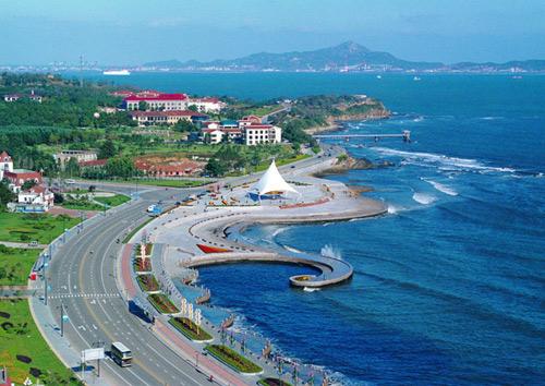 中国第一观光路大连滨海路全长32公路,每当春暖花开的